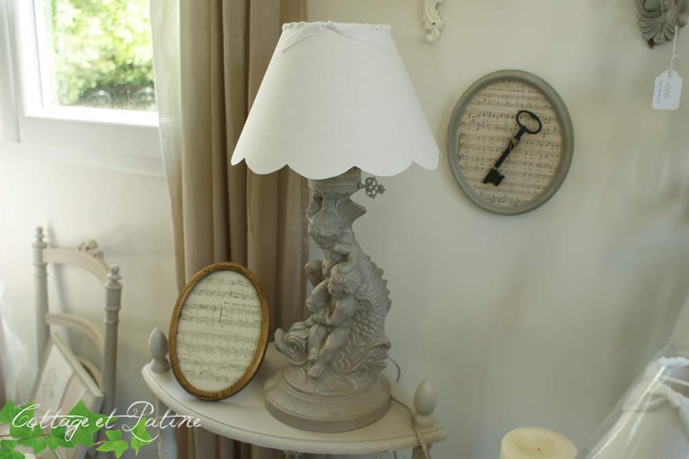 Lampe «Chérubins» patinée – réf 4.15